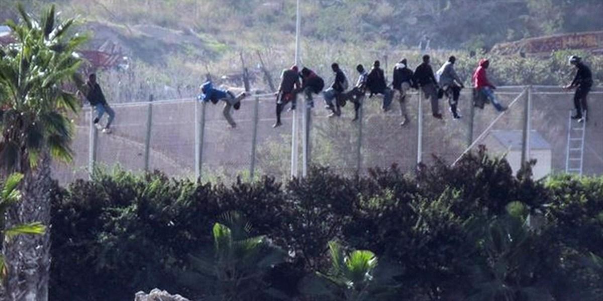 Immigrazione e Schengen: come i muri di cemento stanno dividendo l'Europa