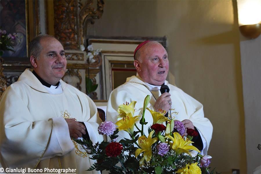 Don Pino Esposito - Un momento della celebrazione della Santa Messa
