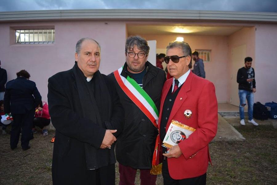 Il Parroco Don Pino Esposito, il Sindaco di San Donato di Ninea ed il Presidente della squadra di calcio del Castrovillari