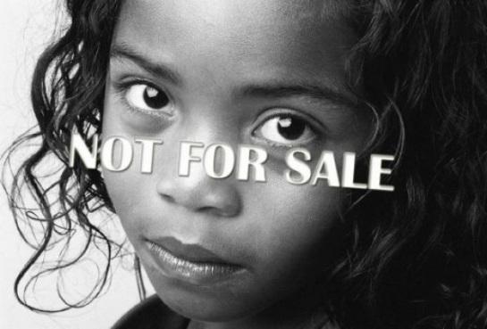Don Pino Esposito - Giustizia ed umanit�� per accogliere le vittime della tratta di esseri umani