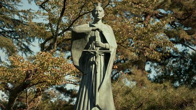 Don Pino Esposito - Dal Giappone al mondo: la fede perseguitata, ieri come oggi, e sempre rinata
