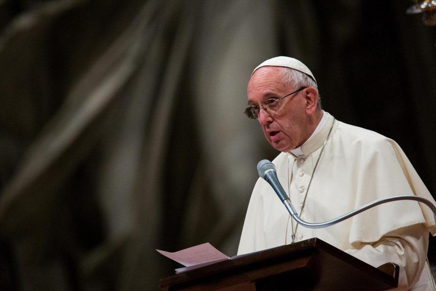 Il monito del Papa: rifondare l'Europa grazie all'identita' cristiana delle sue origini
