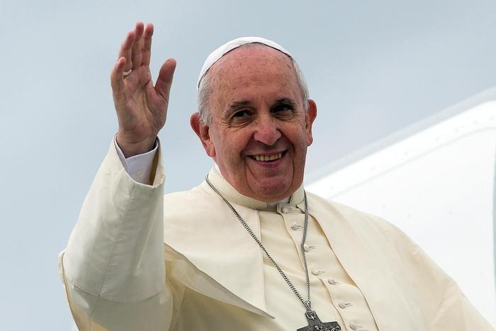 A quattro anni dall'inizio del pontificato, ecco come Papa Francesco e' cosi' amato