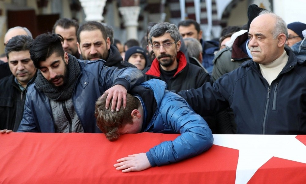 Don Pino Esposito - riflessioni sull���attentato di Istanbul 2017