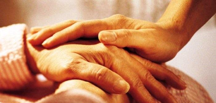 Don Pino Esposito - Vivere la carita' in ogni occasione